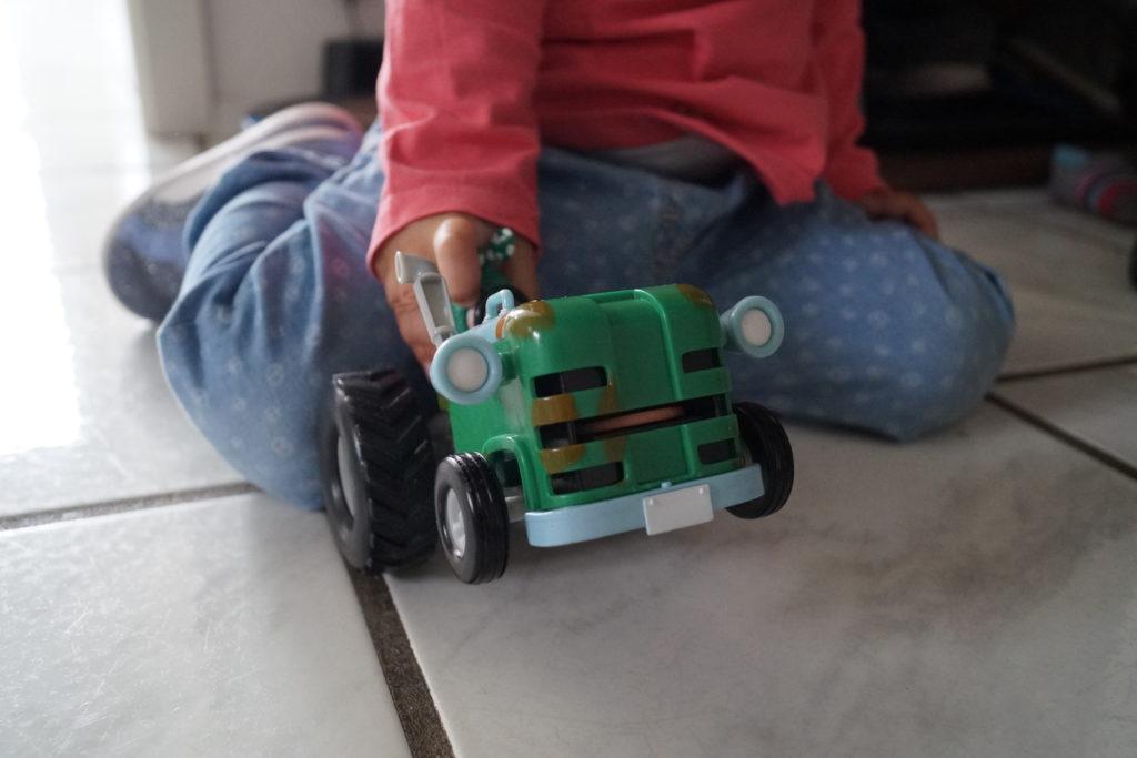 Spielspaß mit den Oddbods Fahrzeugen