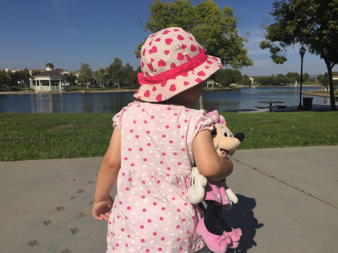 Für fröhliche Sommertage: Bunte Kindermode bei Kilenda mieten