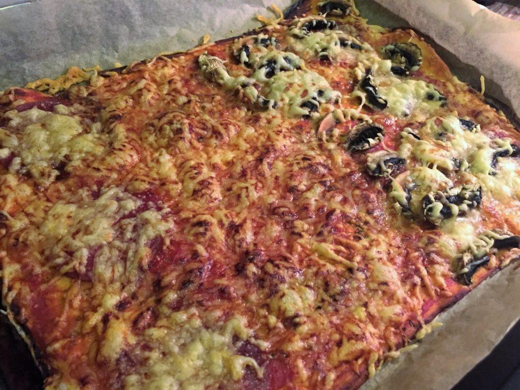 leckere Pizza am Freitagabend