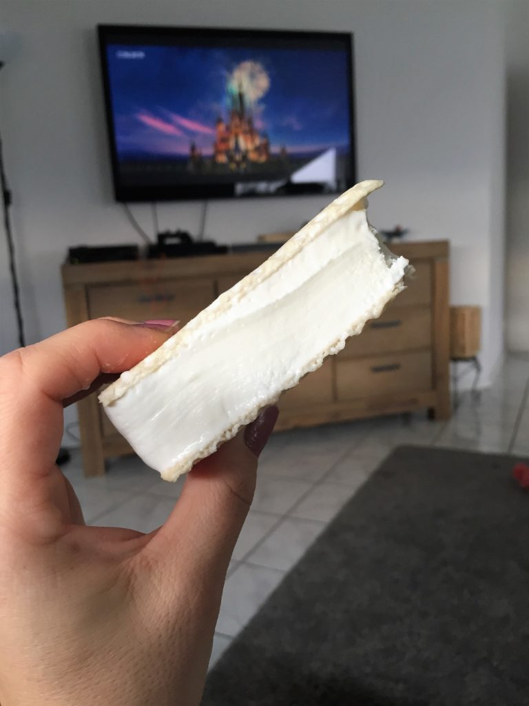 lecker sandwich eis im home cinema