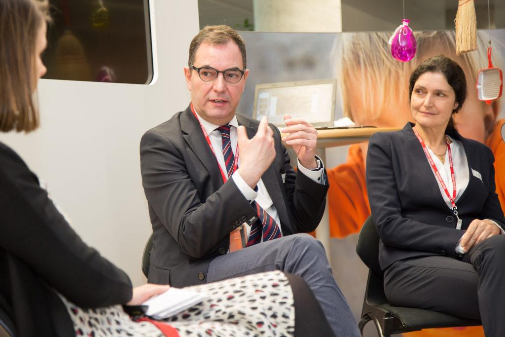 Die Pampers Experten: Prof. Dr. Erler und Dr. Barbara Kunz