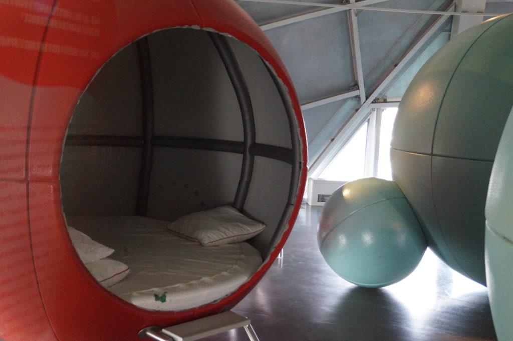 Die Kinderkugel mit Übernachtungsmöglichkeit im Atomium