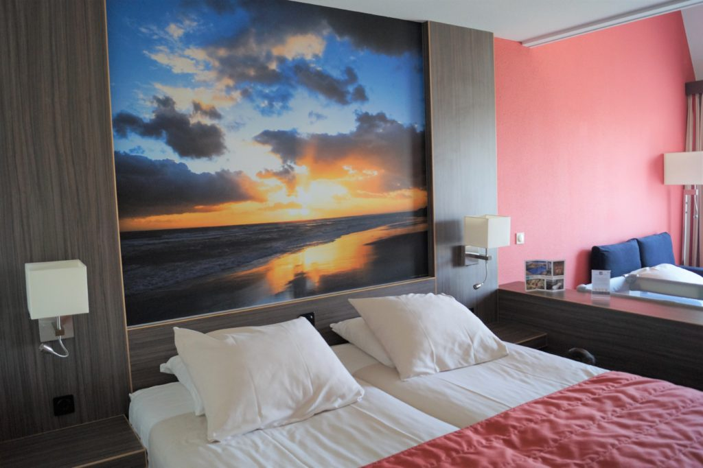 Die Doppelzimmer im Badhotel Domburg sind perfekt für eine Familie mit kleinen Kindern