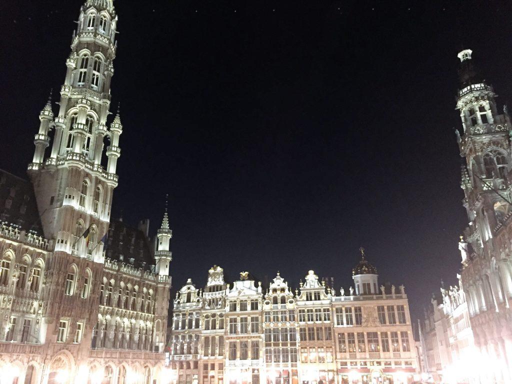 Der Grand Place bei Nacht