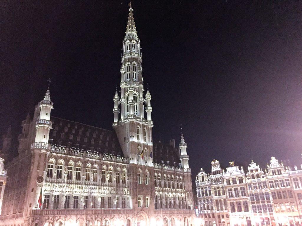 Wunderschön am Abend: Der beleuchtete Grand Place