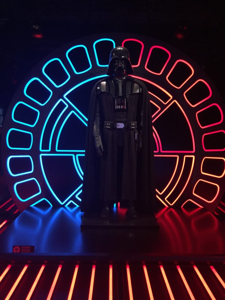 Darth Vader auf der Star Wars Identities Ausstellung in Brüssel