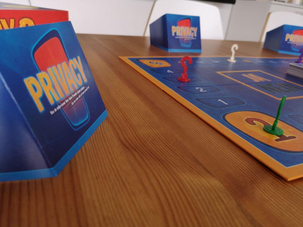Privacy 2: Pikantes über seine Mitspieler erfahren