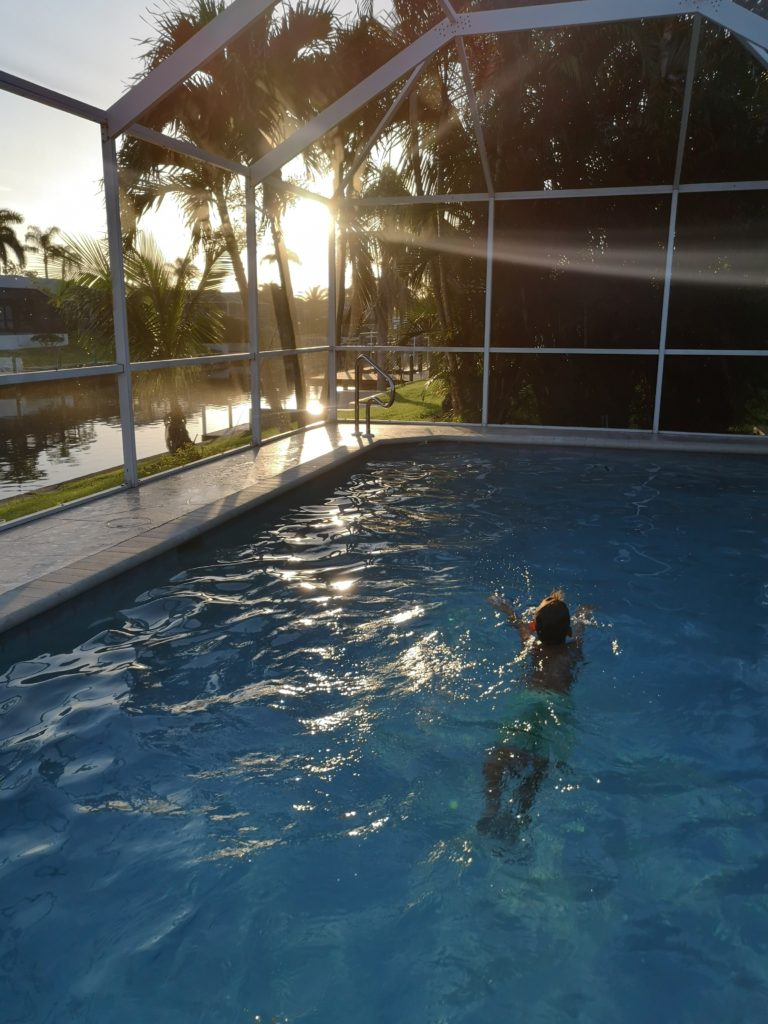 Spaß im privaten Pool in Florida