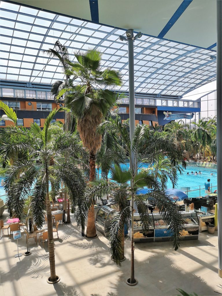 Das Wellenbad in der Therme Erding