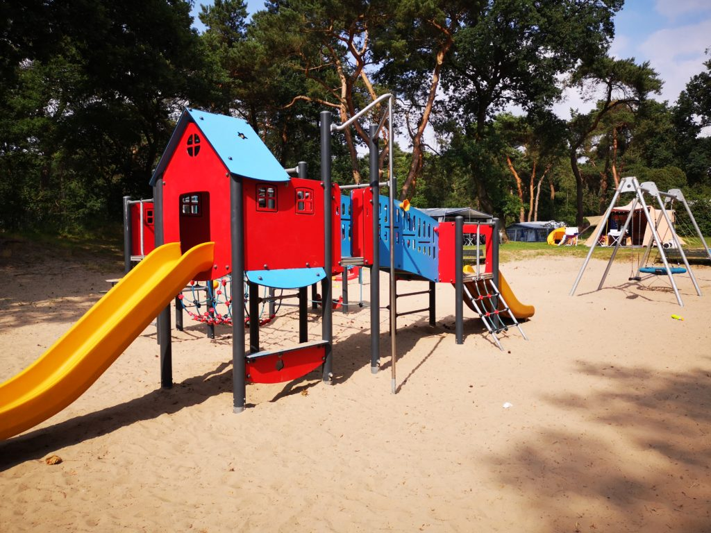 Viel Platz zum Spielen gibt es auf dem Beerze Bulten Campingplatz