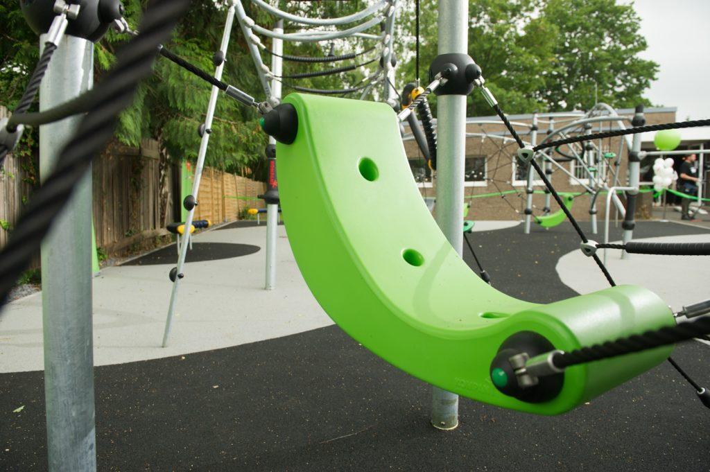 die spielgeräte auf inklusiven spielplätzen fördern die Selbstbestimmung und das freie Spiel