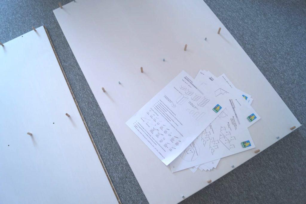 Kleiderschrank von de Breuyn: Der einfache Aufbau