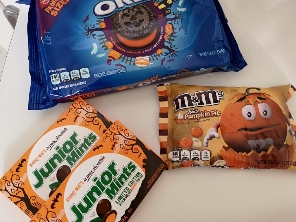 Amerikanische Süßigkeiten im Herbst-Look.