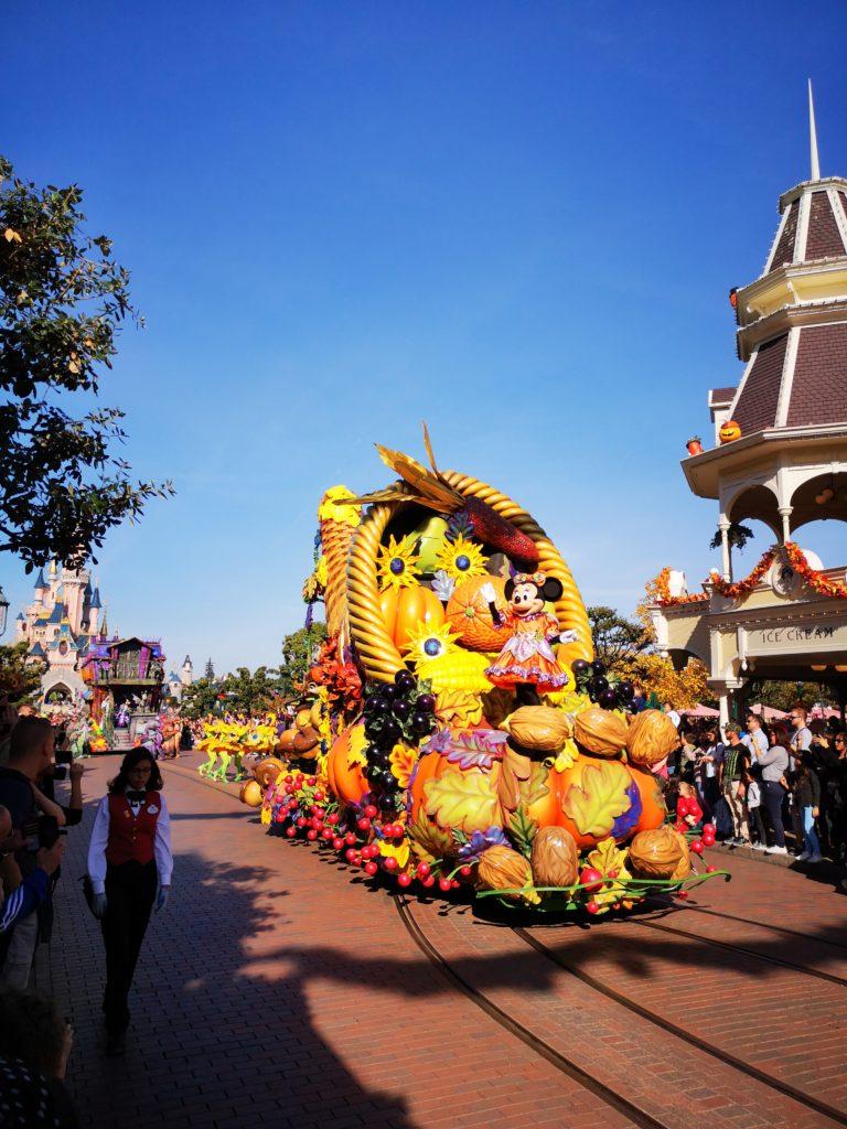 Die Herbstparade im Disneyland Paris
