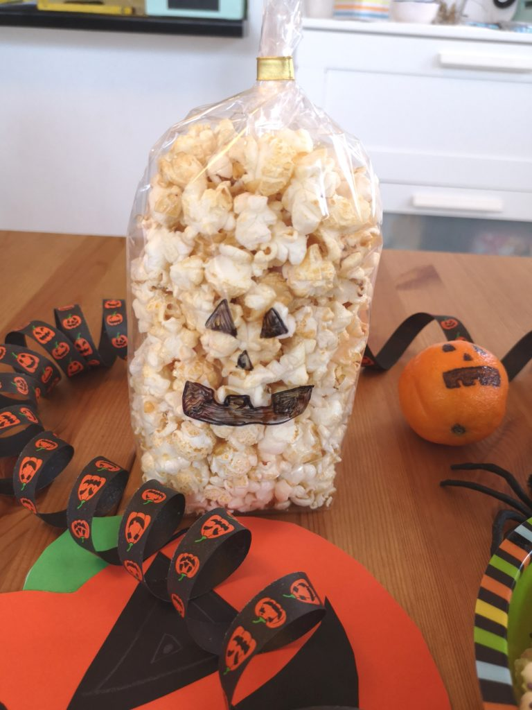 Tolles Gastgebergeschenk: Gespenster Popcorn Tüten
