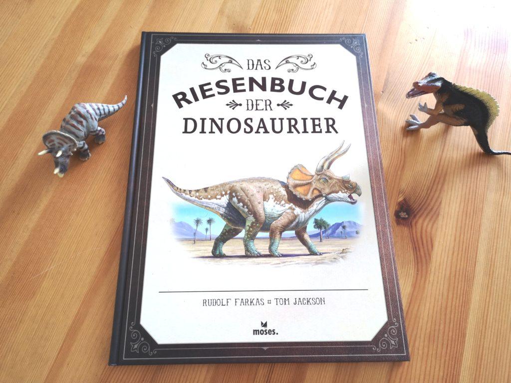 Das Riesenbuch der Dinosaurier vom moses Verlag