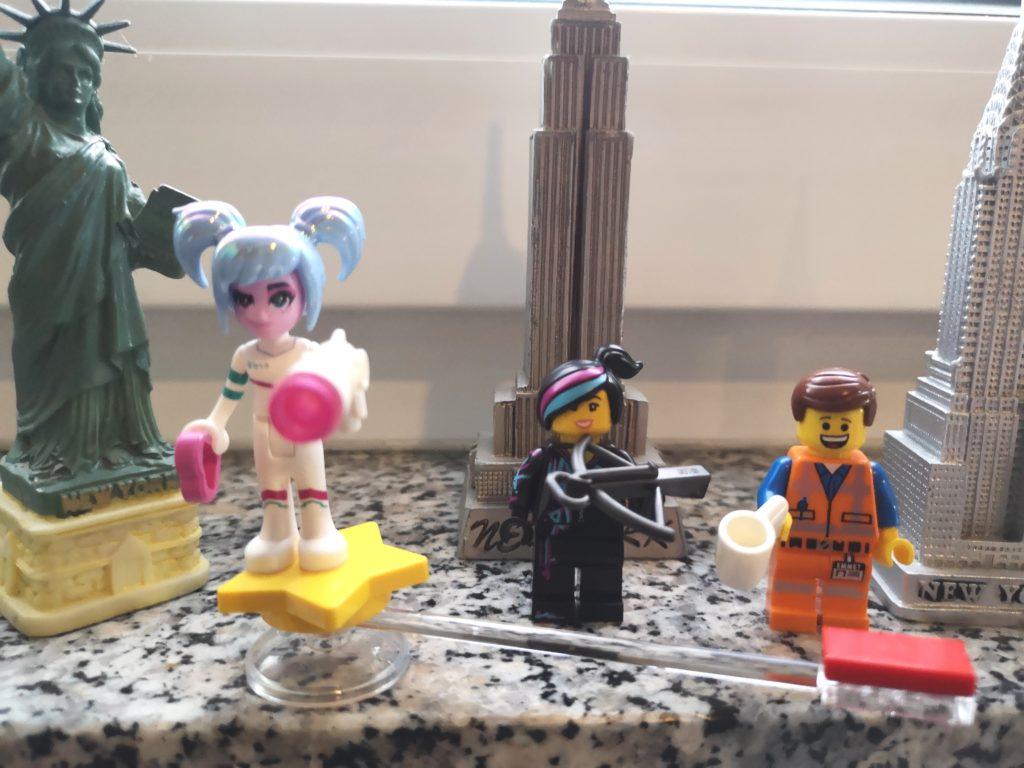 die hauptfiguren aus dem neuen lego movie 2 film