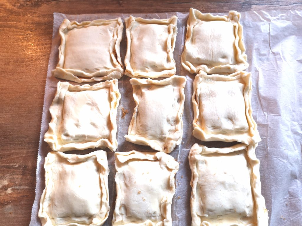 Rezept für einfache Marzipan Blätterteig Taschen