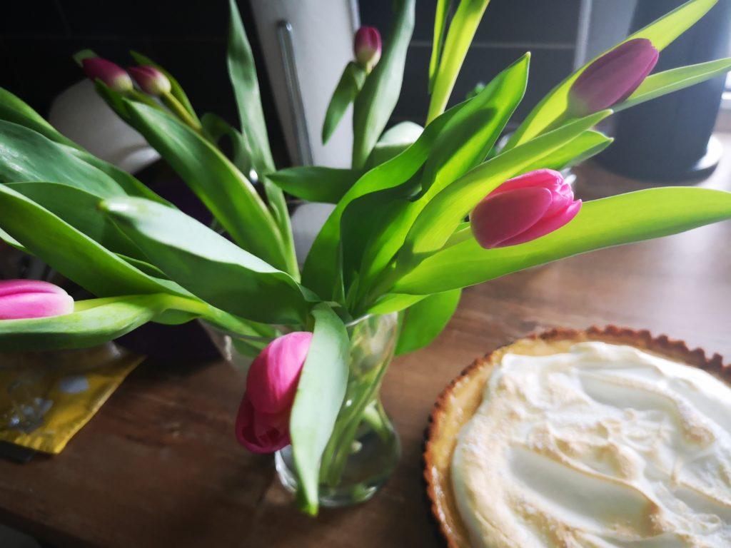 key lime pie und tulpen zum frauentag