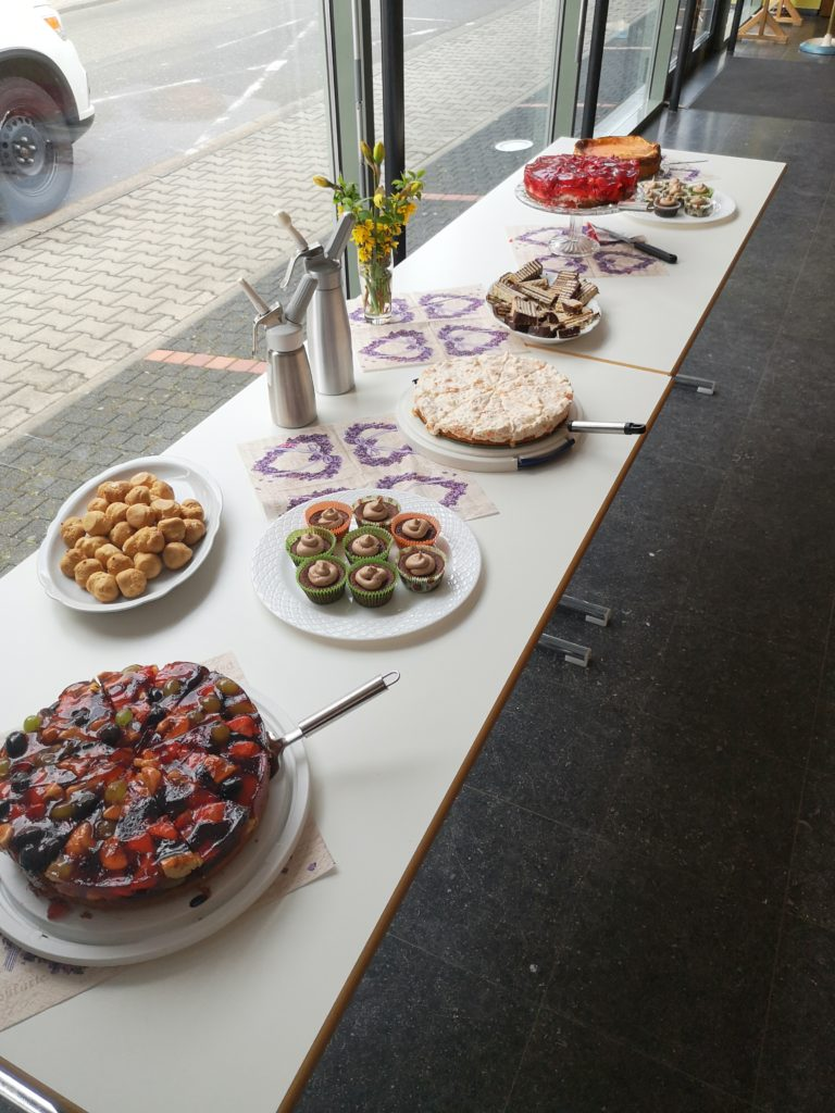 kuchen buffet zum geburtstag