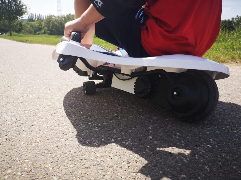 ein cooles board für kinder ab 6 jahren ist der nighthawk