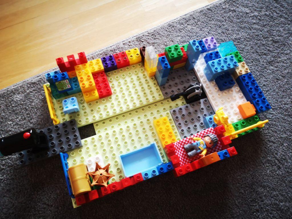 zuhause bauen aus lego steinen