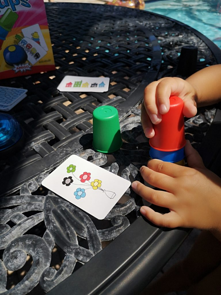 speed cups spiel von amigo für den urlaub