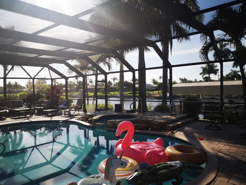 provater pool im haus in cape coral