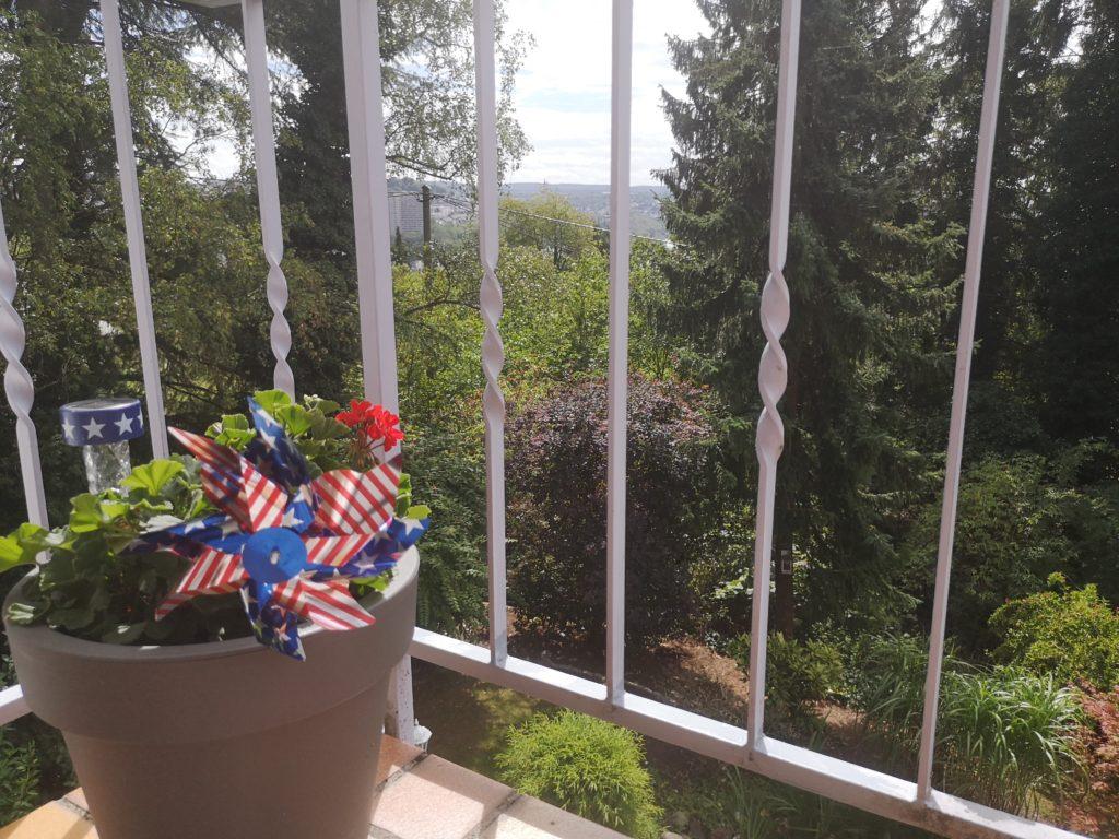 usa windmühle auf dem balkon