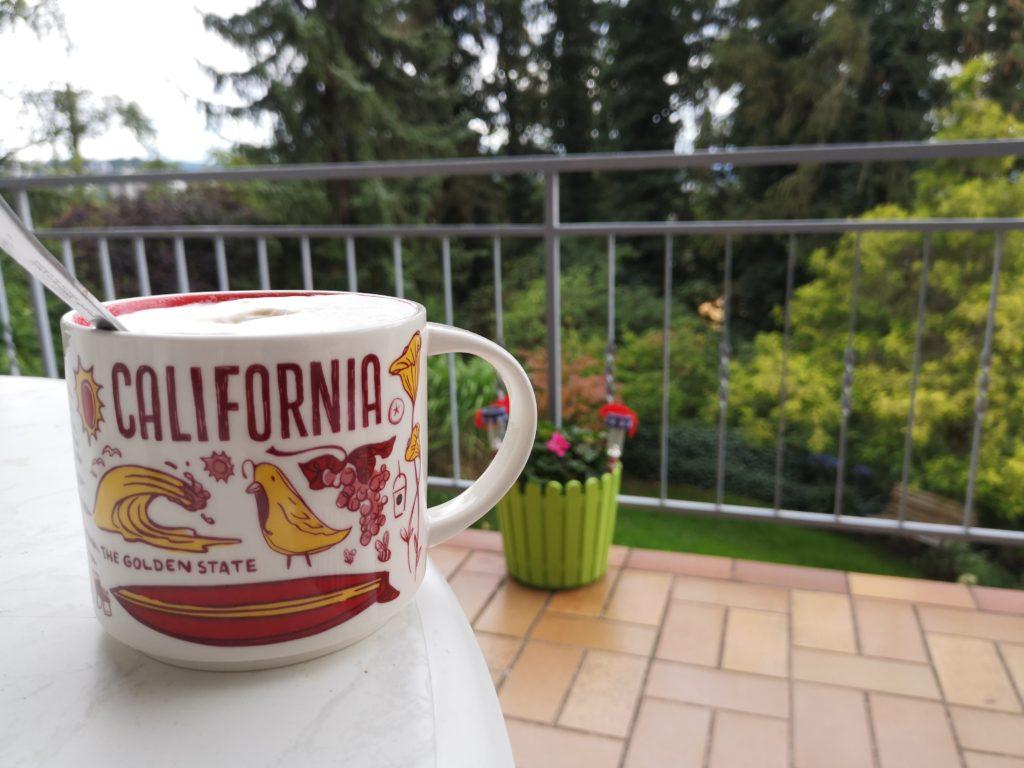 kaffee aus der kalifornien tasse