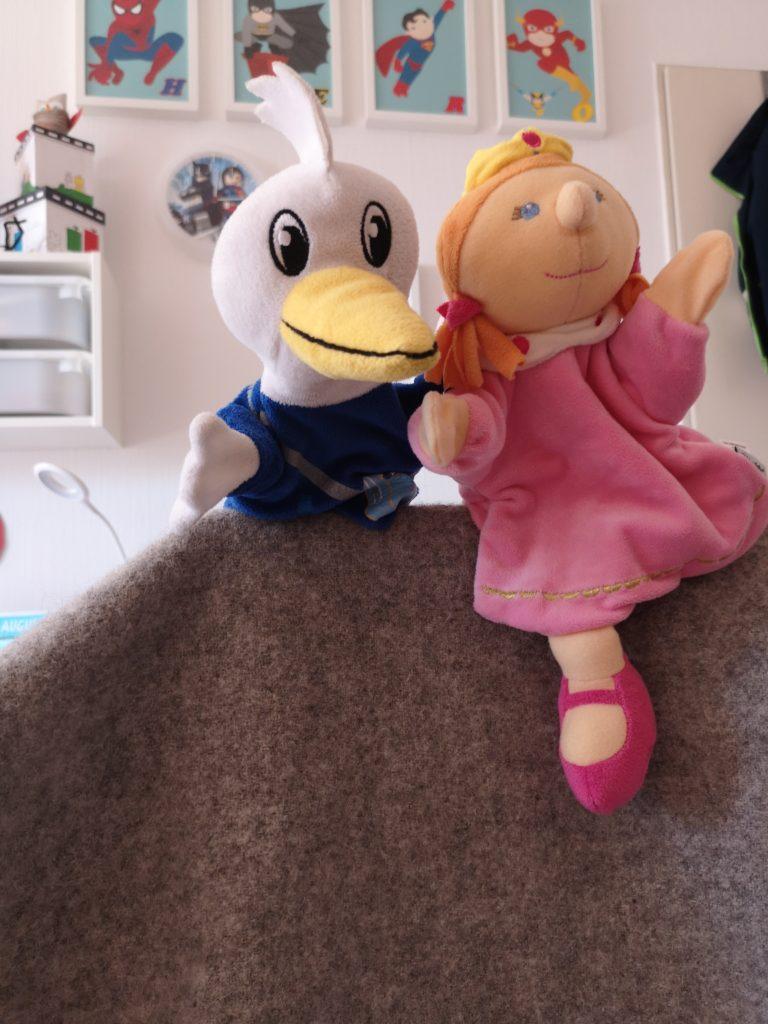 fördert die kreativität bei kindern: puppentheater spielen