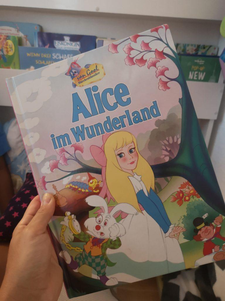 kinderbuchklassiker: alice im wunderland