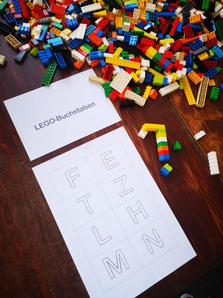 buchstaben aus lego bauen