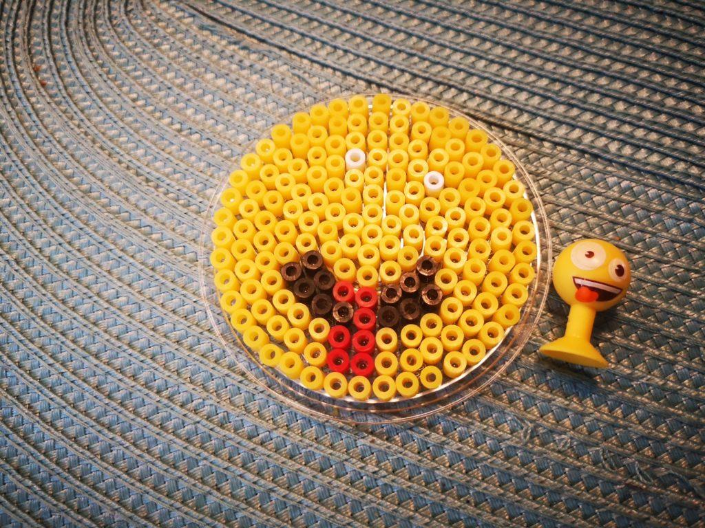 emoji aus bügelperlen