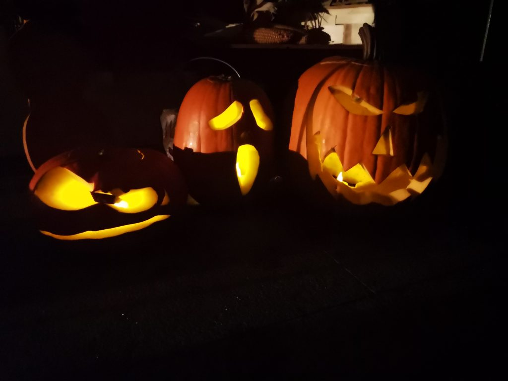 tolle leuchtende kürbisse für halloween