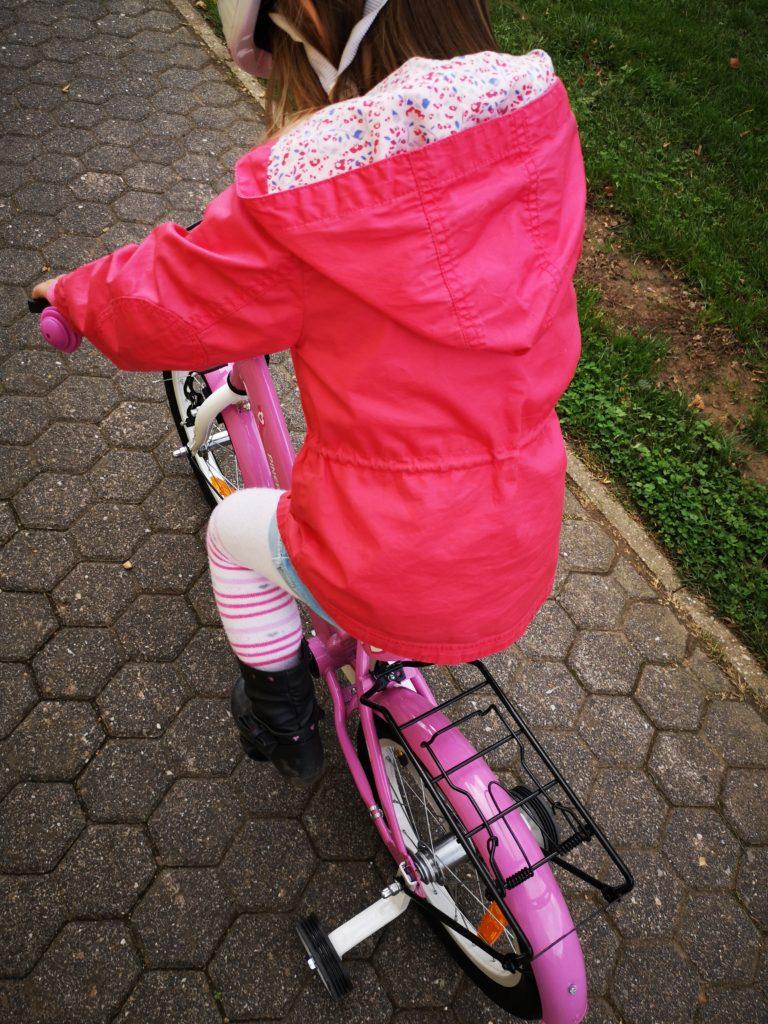 mit vier jahren fahrradfahren