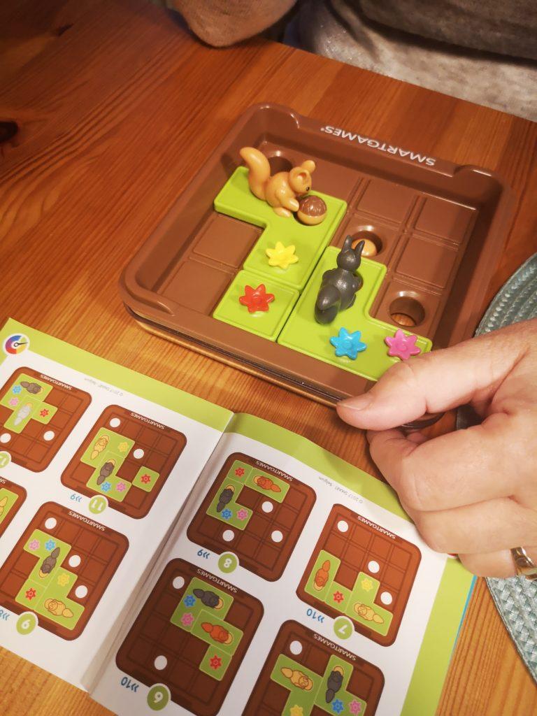 SmartGames Spiel ran an die Nüsse