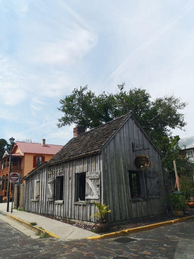 altes café aus holt in st. augustine