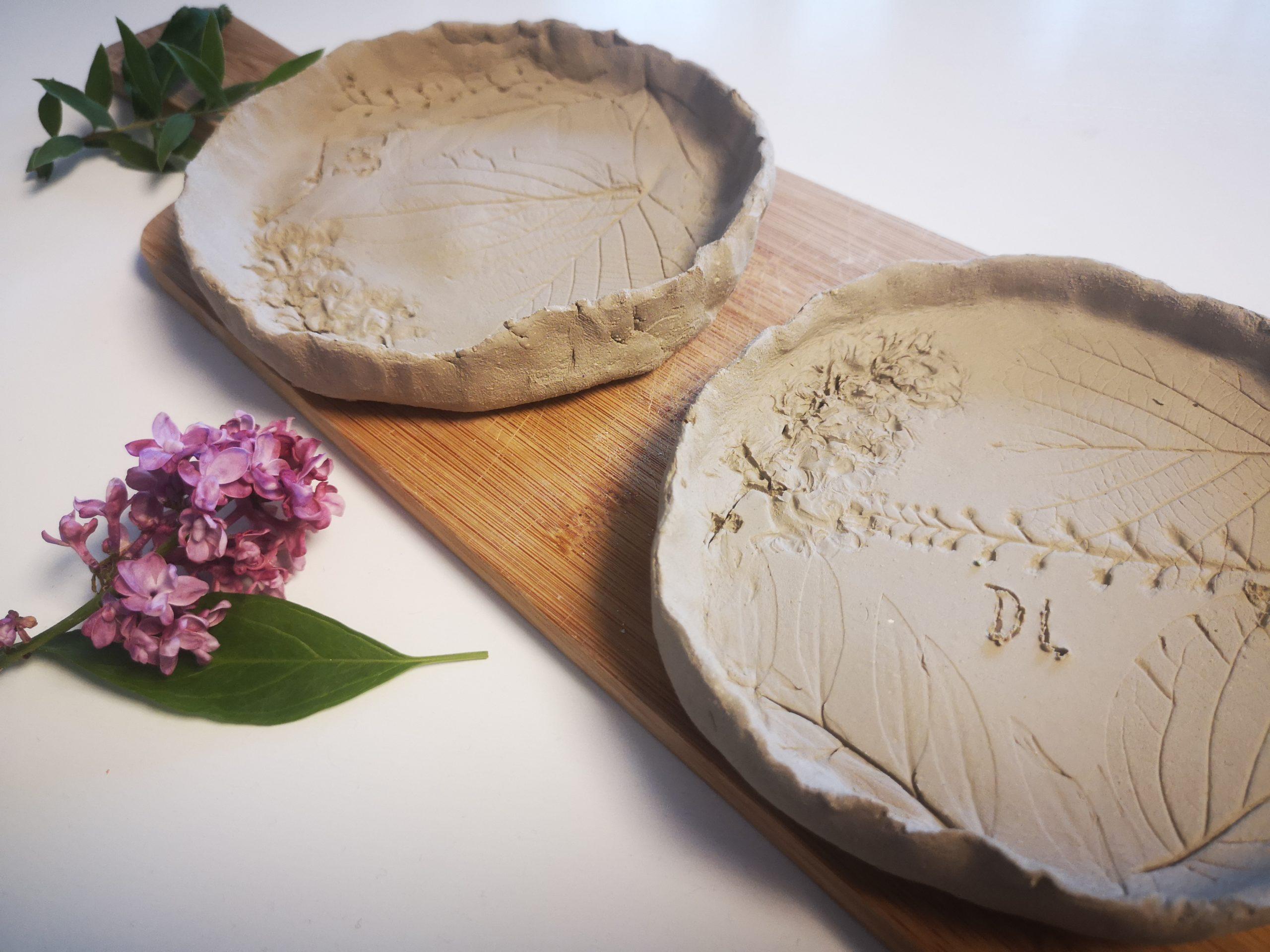 DIY Idee zum Muttertag: Tonschale mit Blumenmuster